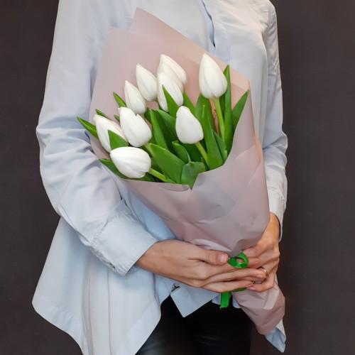 Белые тюльпаны от FlorPresent