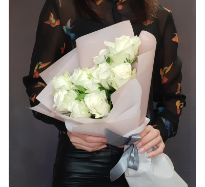 Букет белых роз «Поцелуй»
