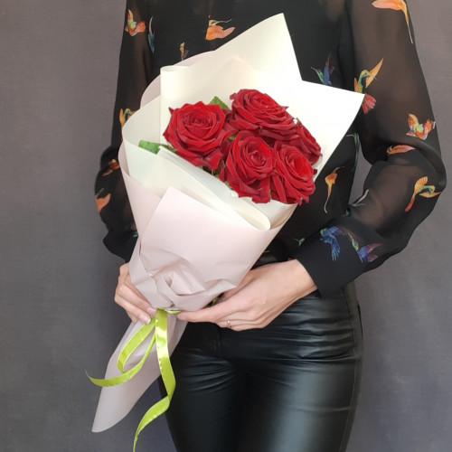 Букет из 5 красных роз от FlorPresent